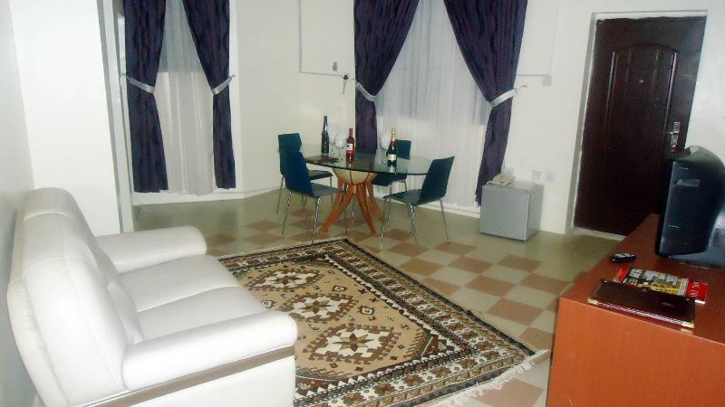 royal-suite-sitting-room